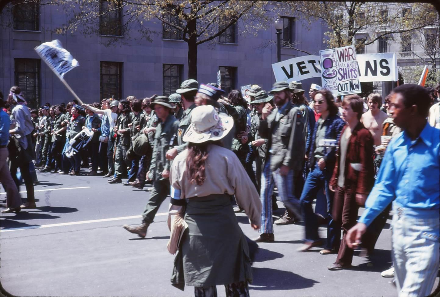 vets protest.jpg