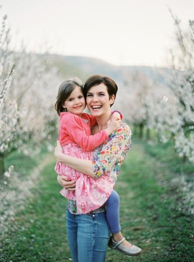 Apricot_Blossoms_Family_Shoot_0023.jpg