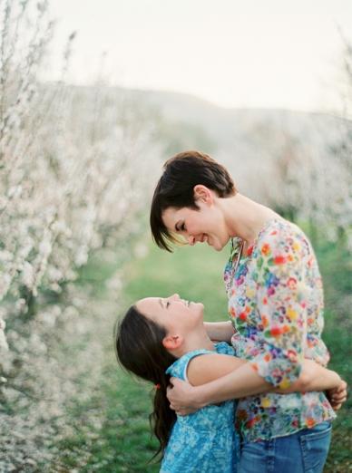 Apricot_Blossoms_Family_Shoot_0006.jpg