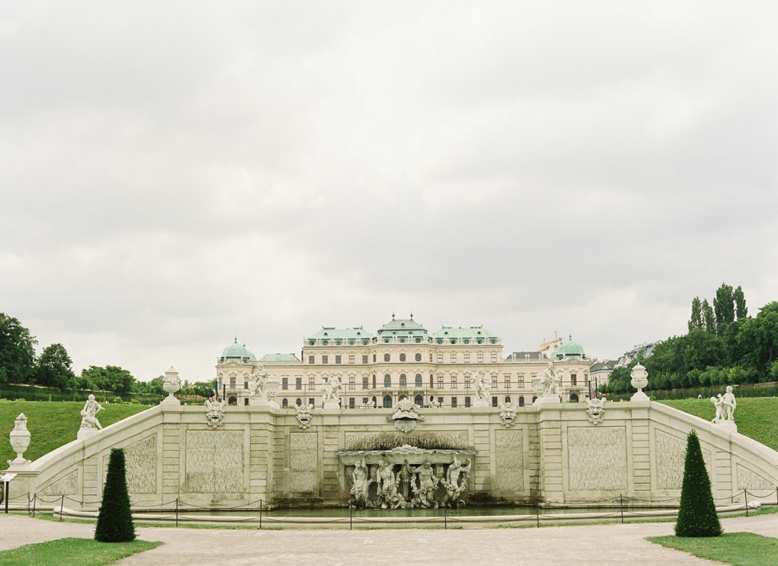 Intimate_Vienna_City_Wedding_0001.jpg