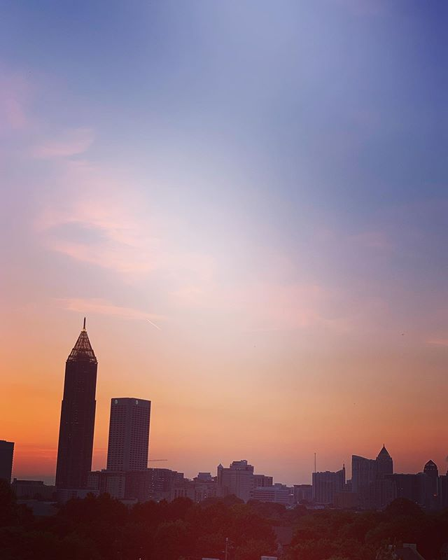 New city. New views 🧡 #simplicitédaily