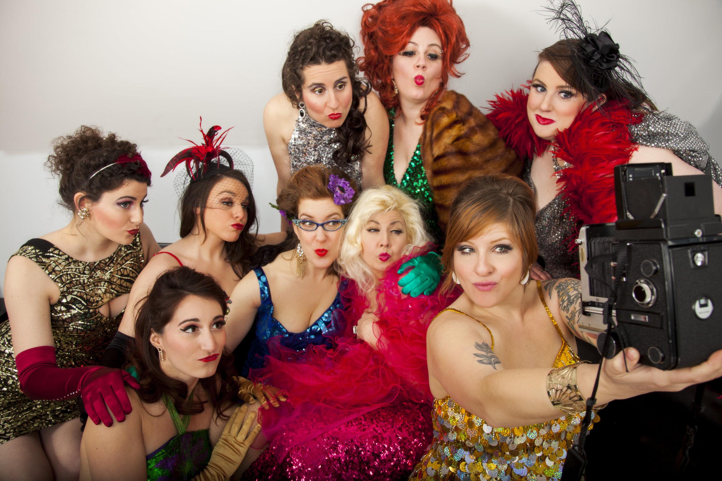 Rogue Burlesque duckface selfie - hi res.jpg