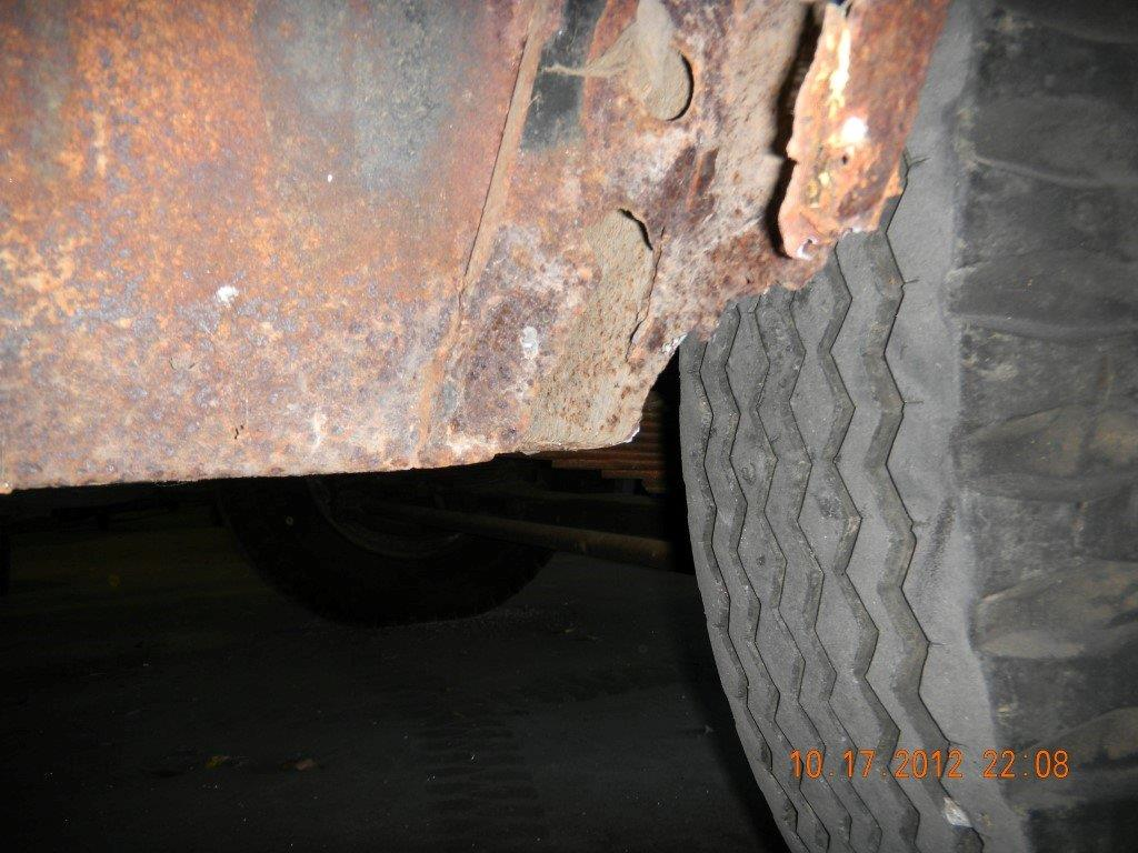 Rust Panel near tire.jpg