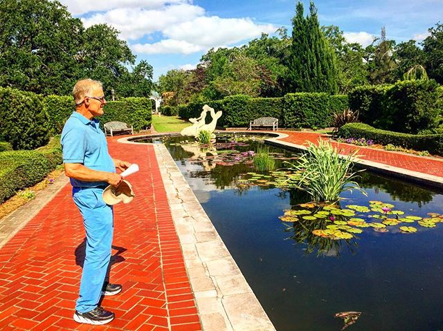 Taking close notes and swooning over the Art Deco aesthetic in the Crescent City's first public classical garden—the combined talents of architect Richard Koch, landscape architect William Wiedorn, and sculptor Enrique Alférez (boosted by some substantial WPA funding).🌴🌺🌴 #travel #garden #landscaping #landscape #nature #green #plants #explore #instagood #instamood #bigeasy #nola #horticulture #botanical #landscapephotography #theoutbound #workhard #playhard #view #instadaily #trip #south #southern #botanicalgardens #tour #friday #friyay #tgif #inspiration #artdeco