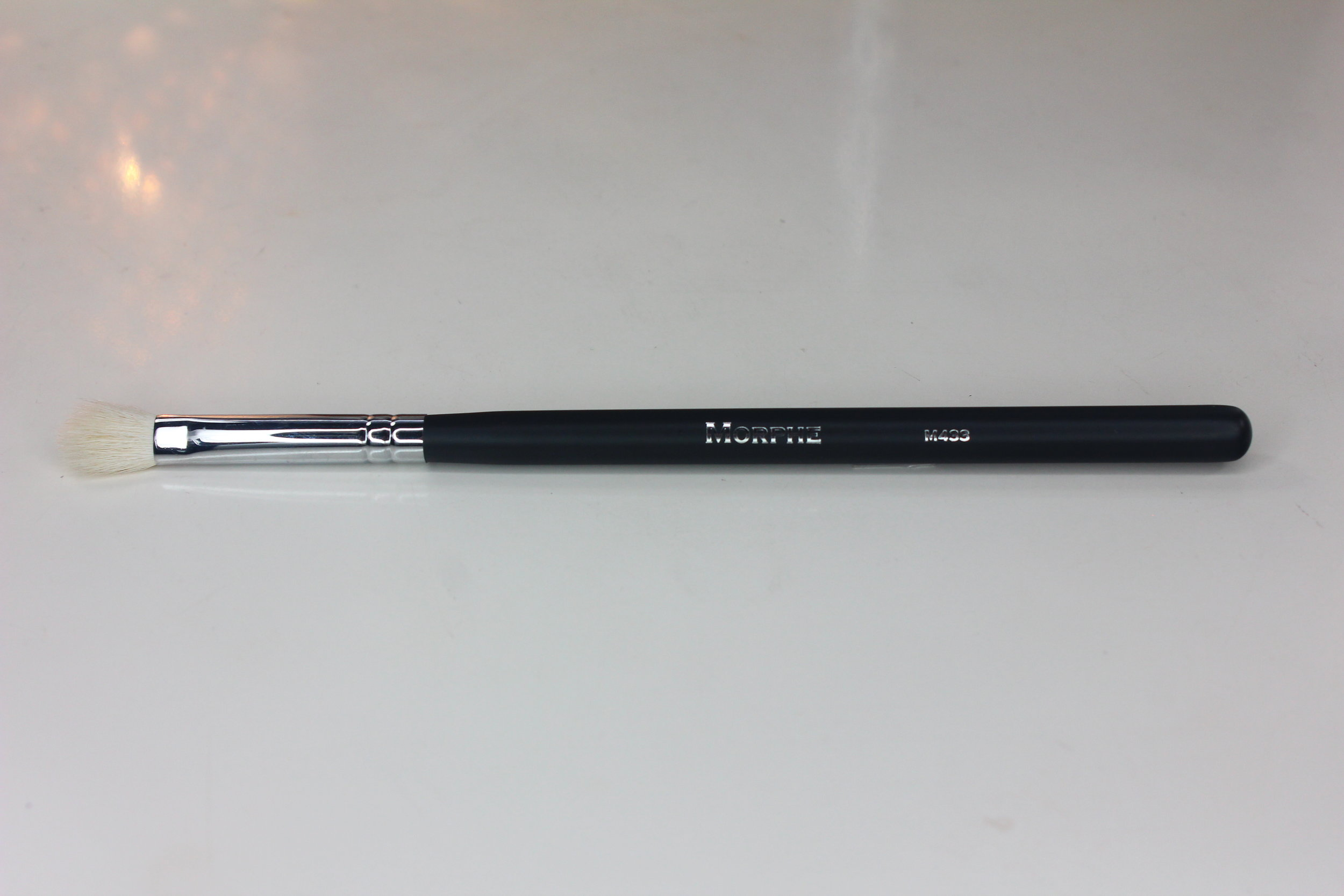 Morphe Brushes 1 - M433 Pro Firm Blending Fluff