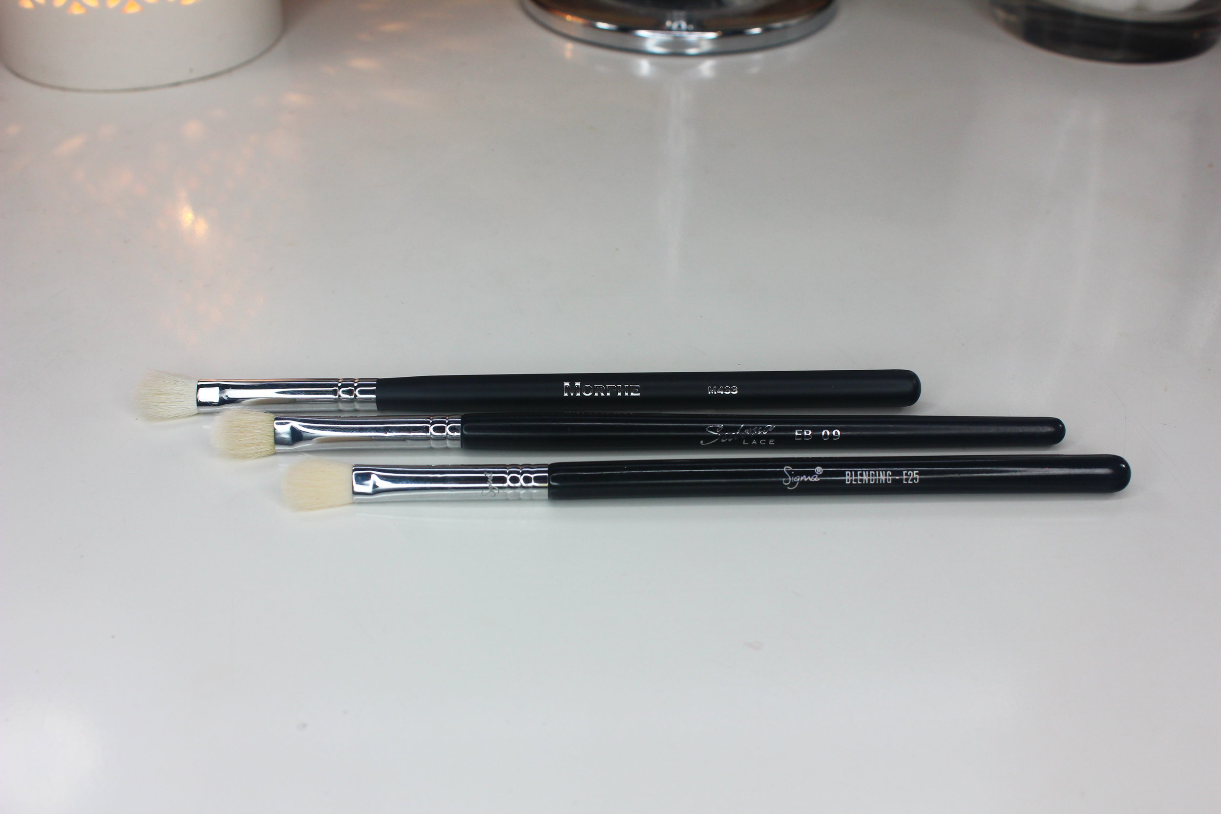 Morphe Brushes 3 - M433 Pro Firm Blending Fluff