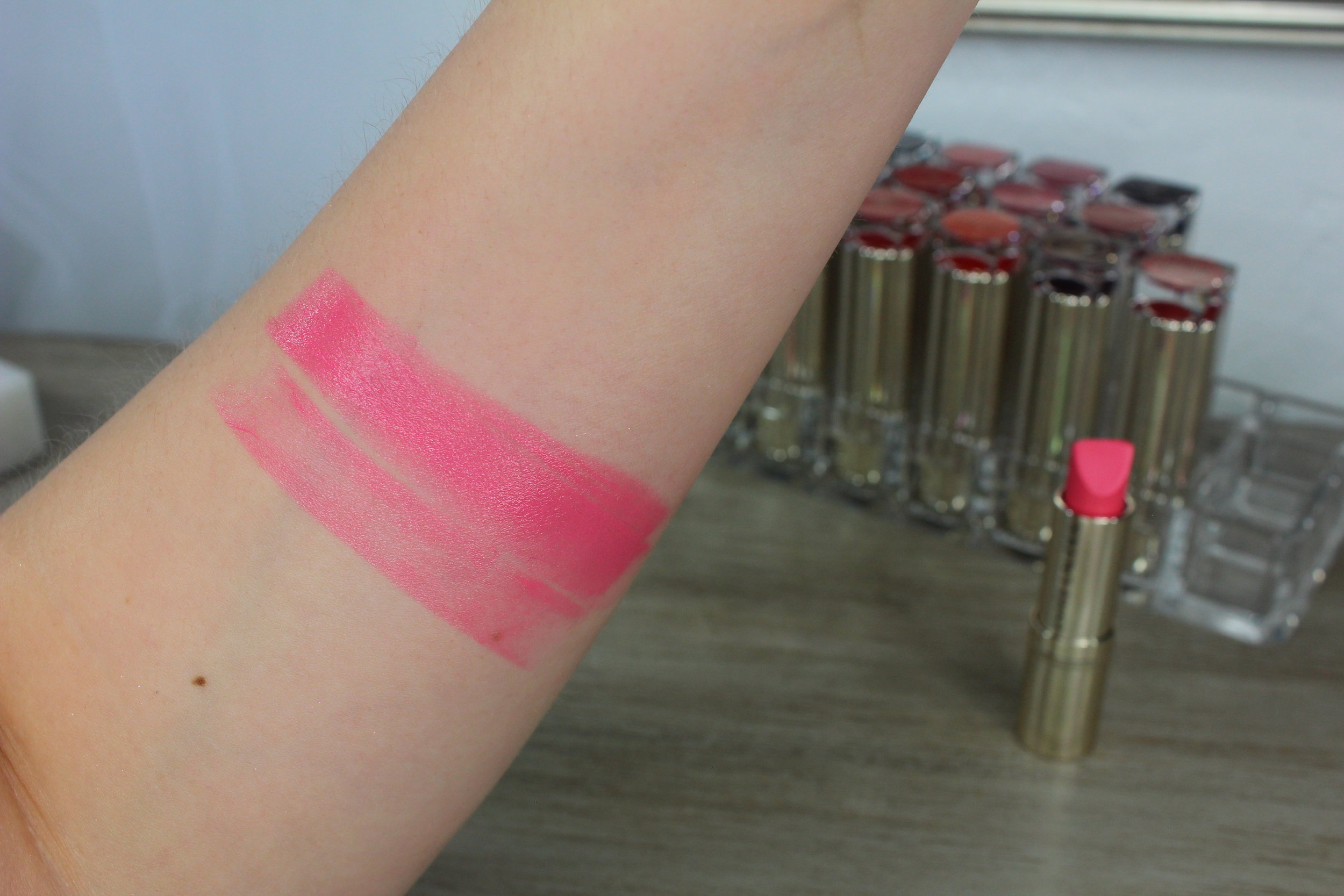 Estee Lauder Sky High (260) swatch