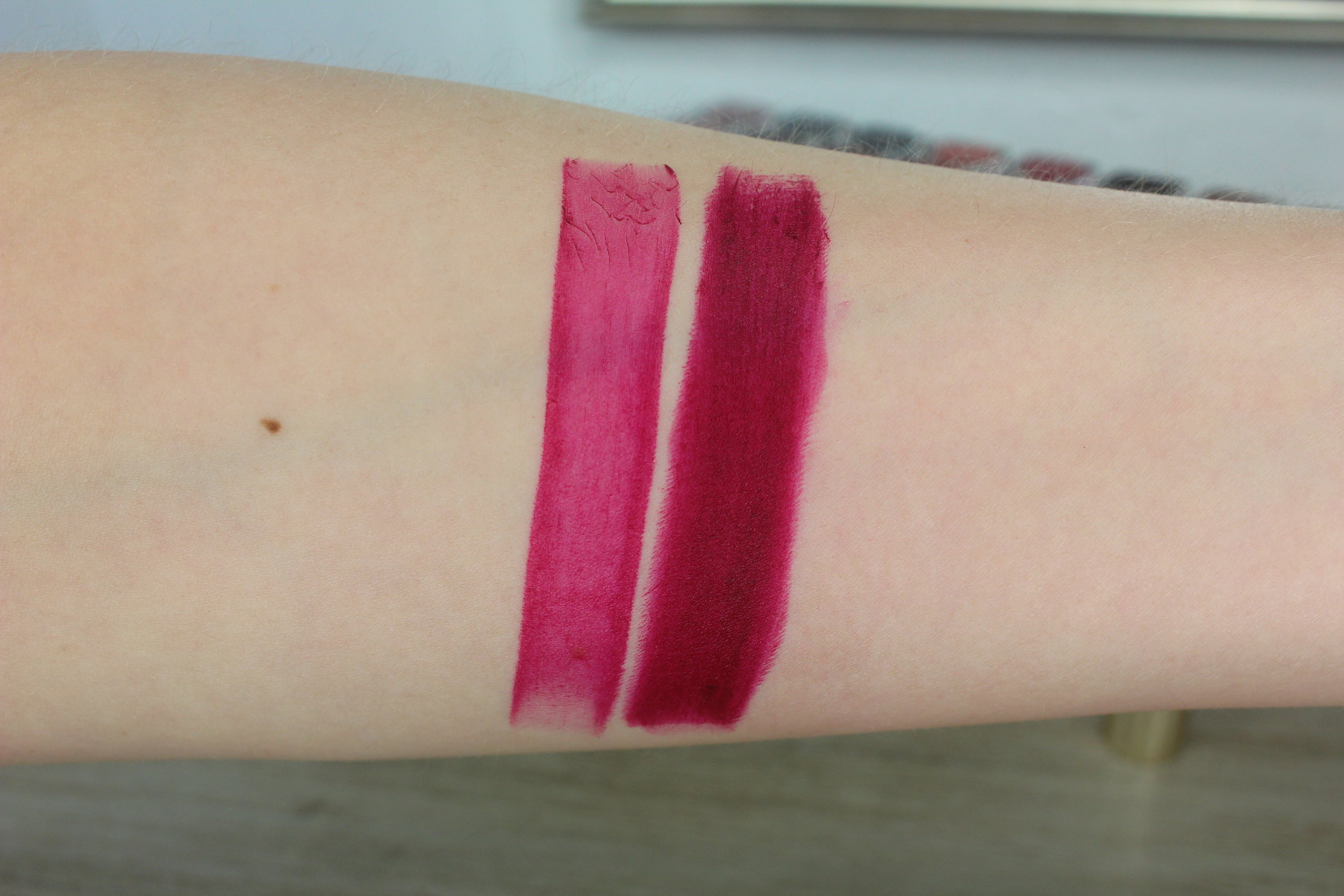 Estee Lauder Love Object (410) swatch