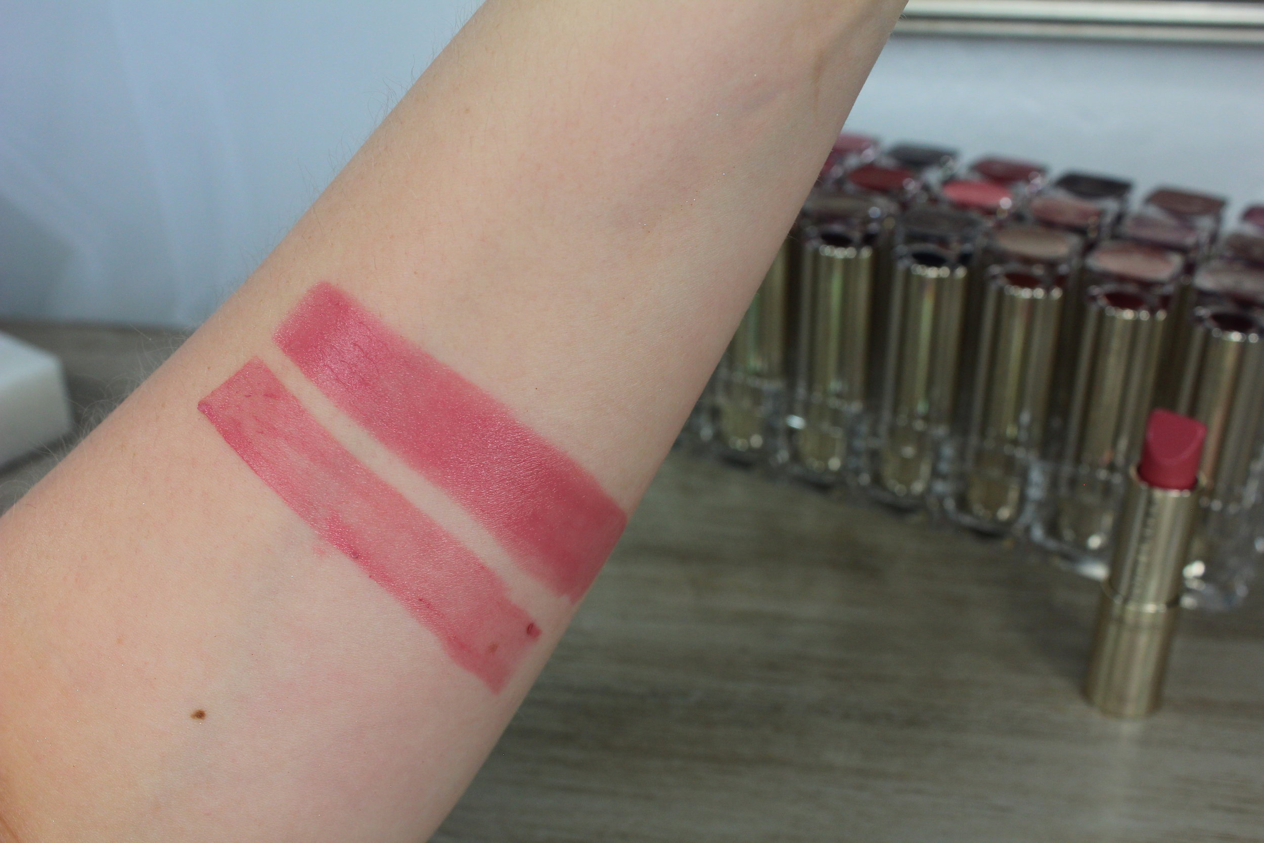 Estee Lauder Crazy Beautiful (430) swatch