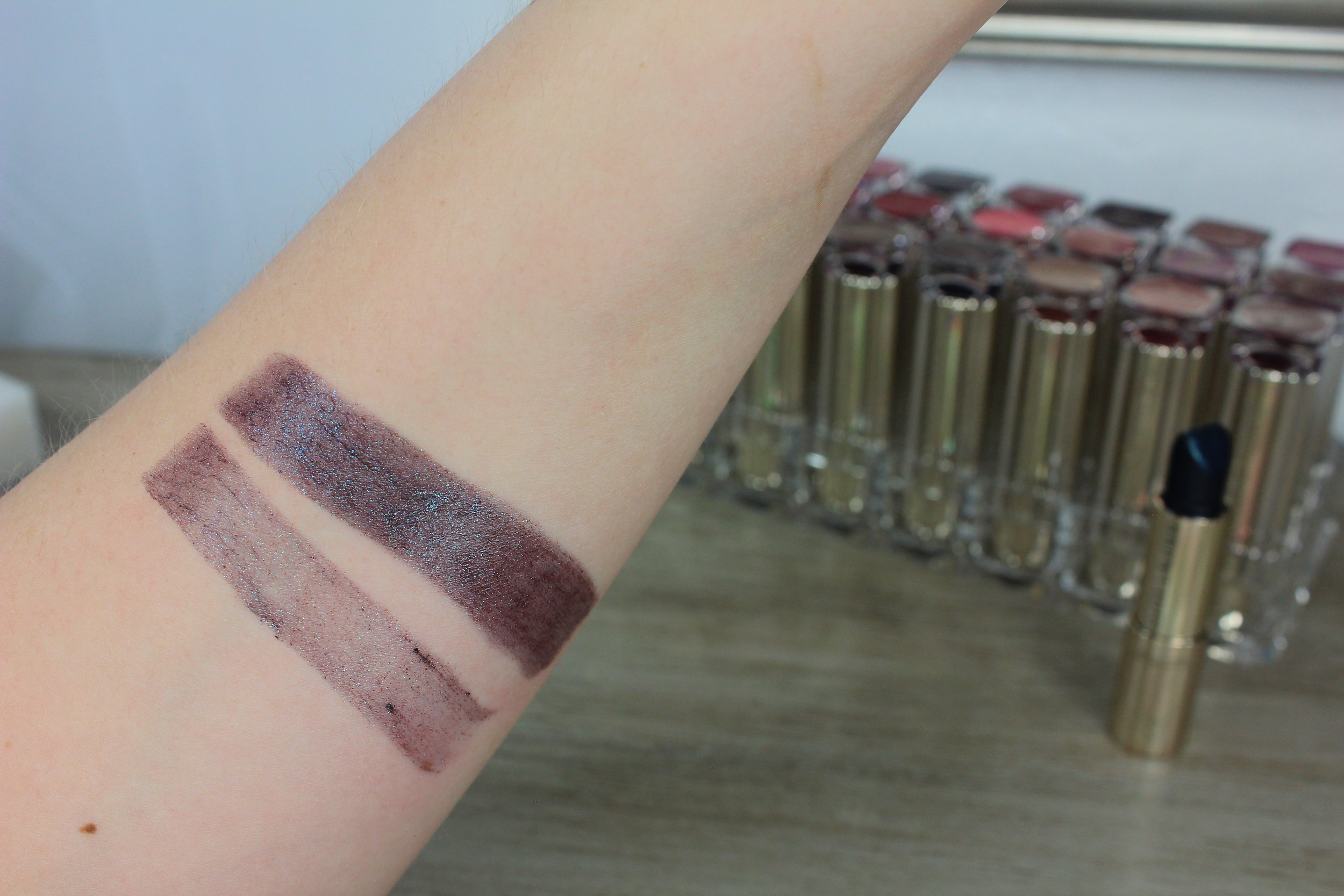 Estee Lauder Moon Rock (470) swatch