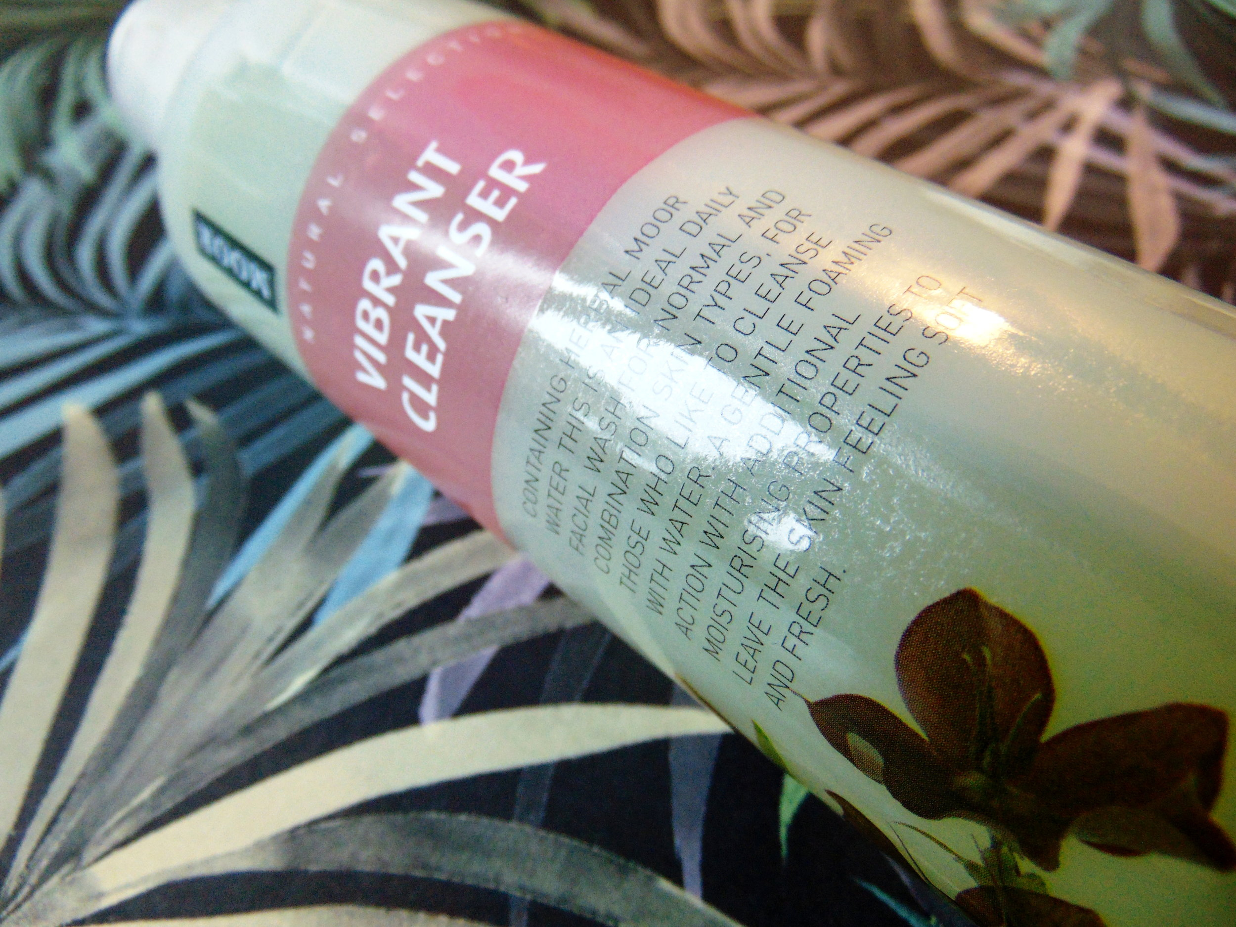 Venus-Beauty-Hair-Tavistock-Devon-Salon-Blog-Top-Tips-Facial-Care-Moor-SpaCleanse-Vibrant-Cleanser.JPG