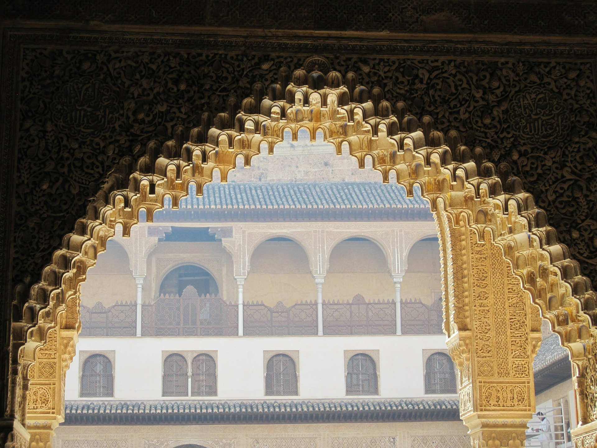 alhambra-338586_1920.jpg