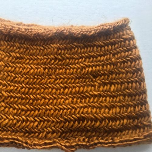 Little Herringbone Cowl || knit by Rachel Loewens