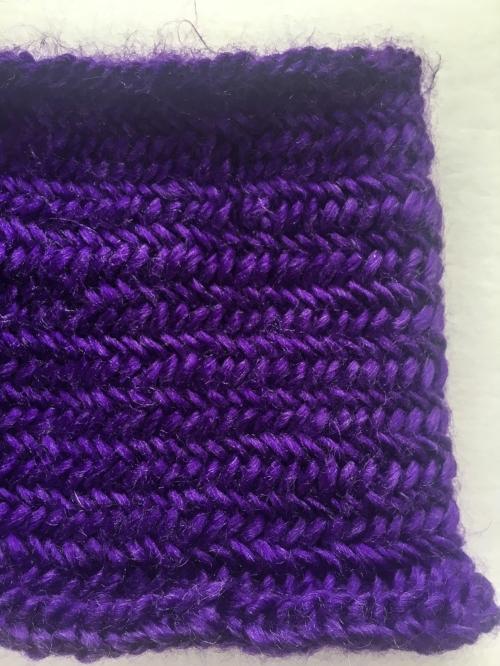 Small herringbone cowl || knit by Rachel Loewens