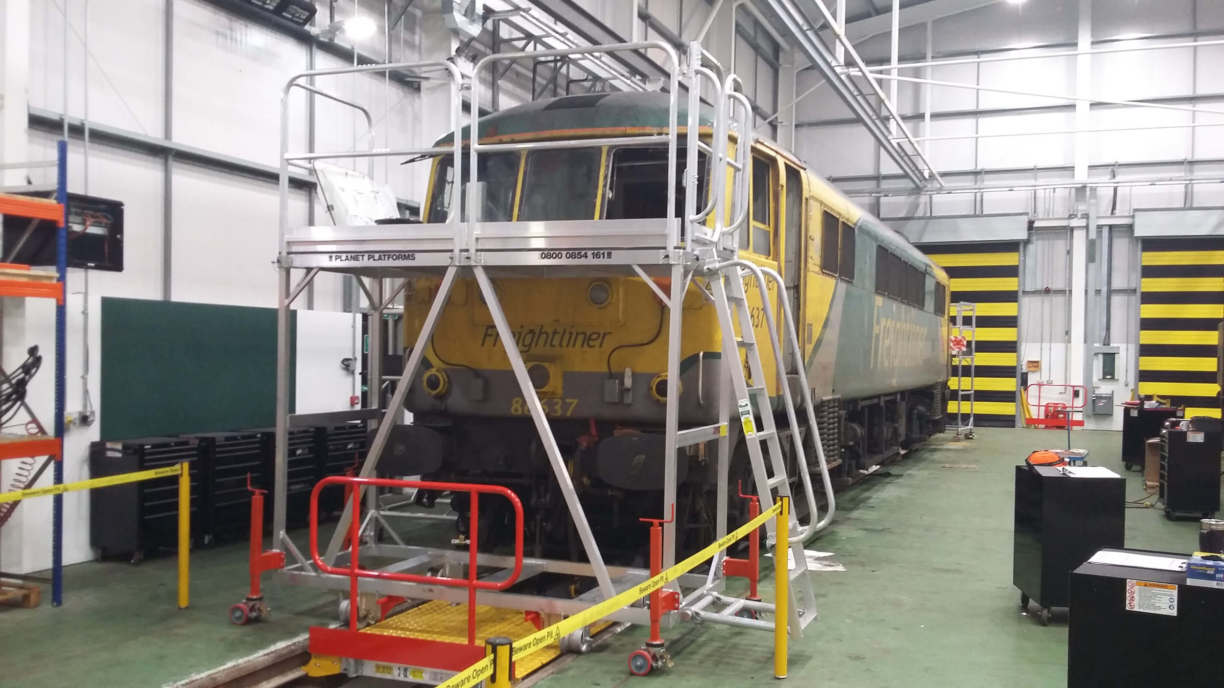 79. Train Aluminium Access Platform