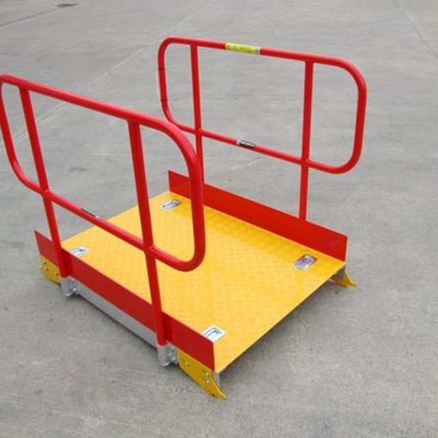 Pitboards - Simple in design and to fit they come with options including handrails and pit access steps.  #pitboards #rail #safety #walkover #easyaccess #designed #planetplatforms
