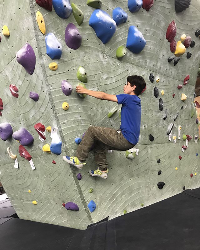 After last week's caving expedition, the #ReWildKC Youth Explorers got together last night at @rokcclimb for a little #bouldering mini comp. A special thank you to our amazing volunteers who make all of this possible!