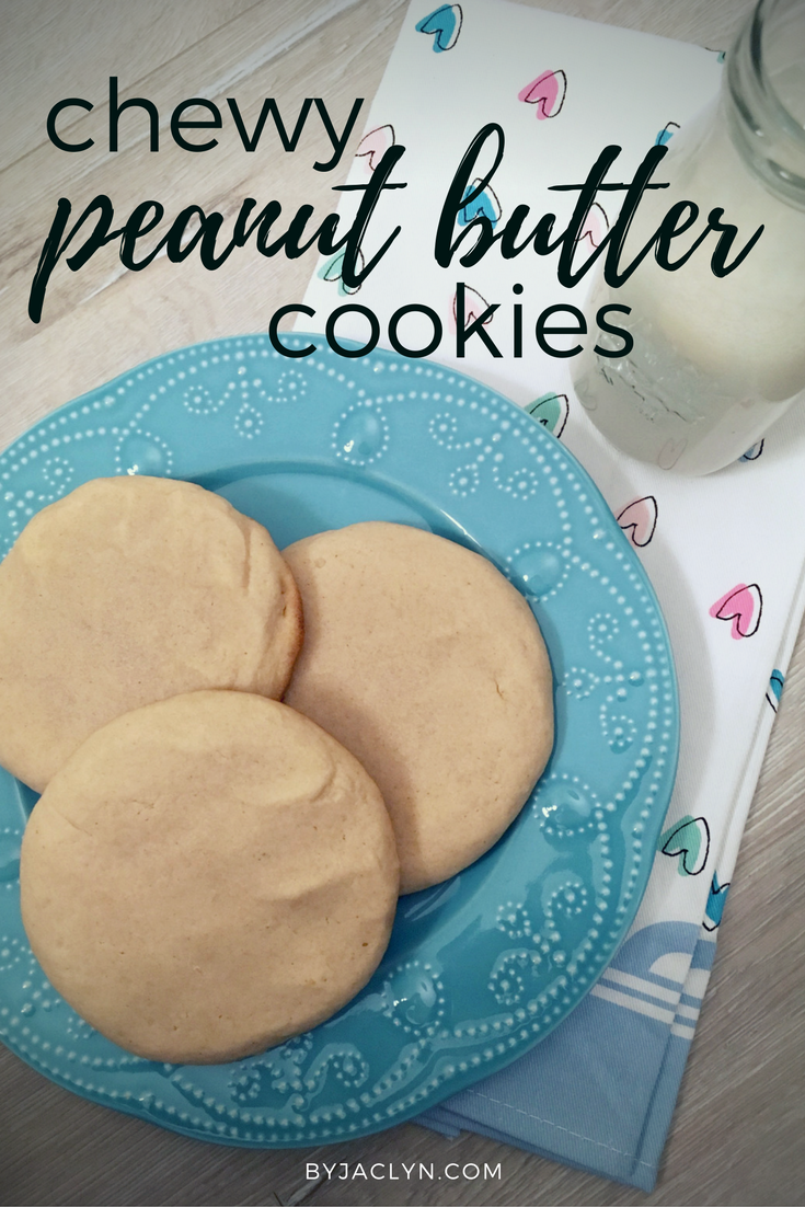 Giant,chewy and soft peanut butter cookies. These peanut butter cookies pair perfectly with a giant glass of milk.