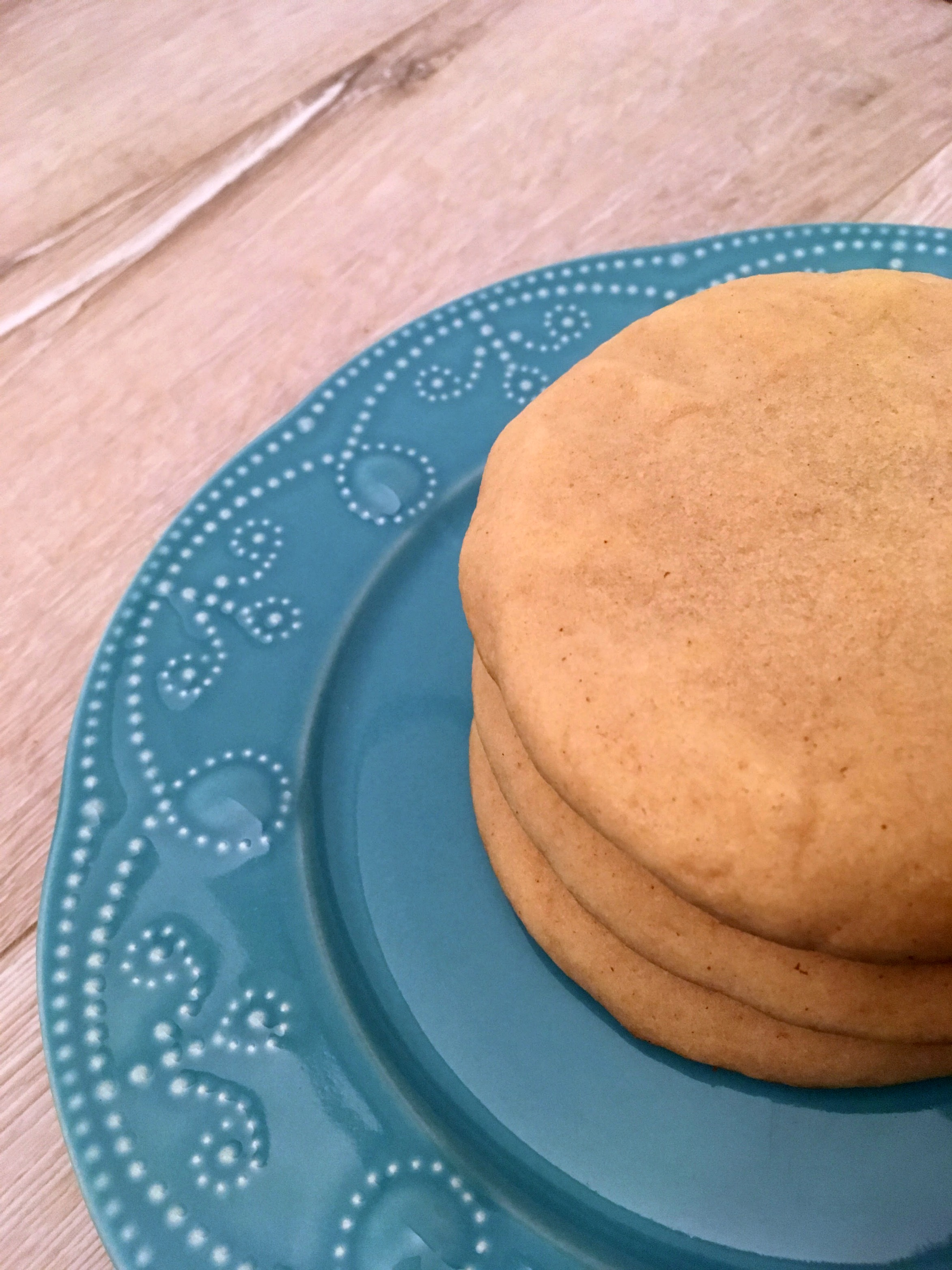 Giant, chewy and soft peanut butter cookies. These peanut butter cookies pair perfectly with a giant glass of milk.