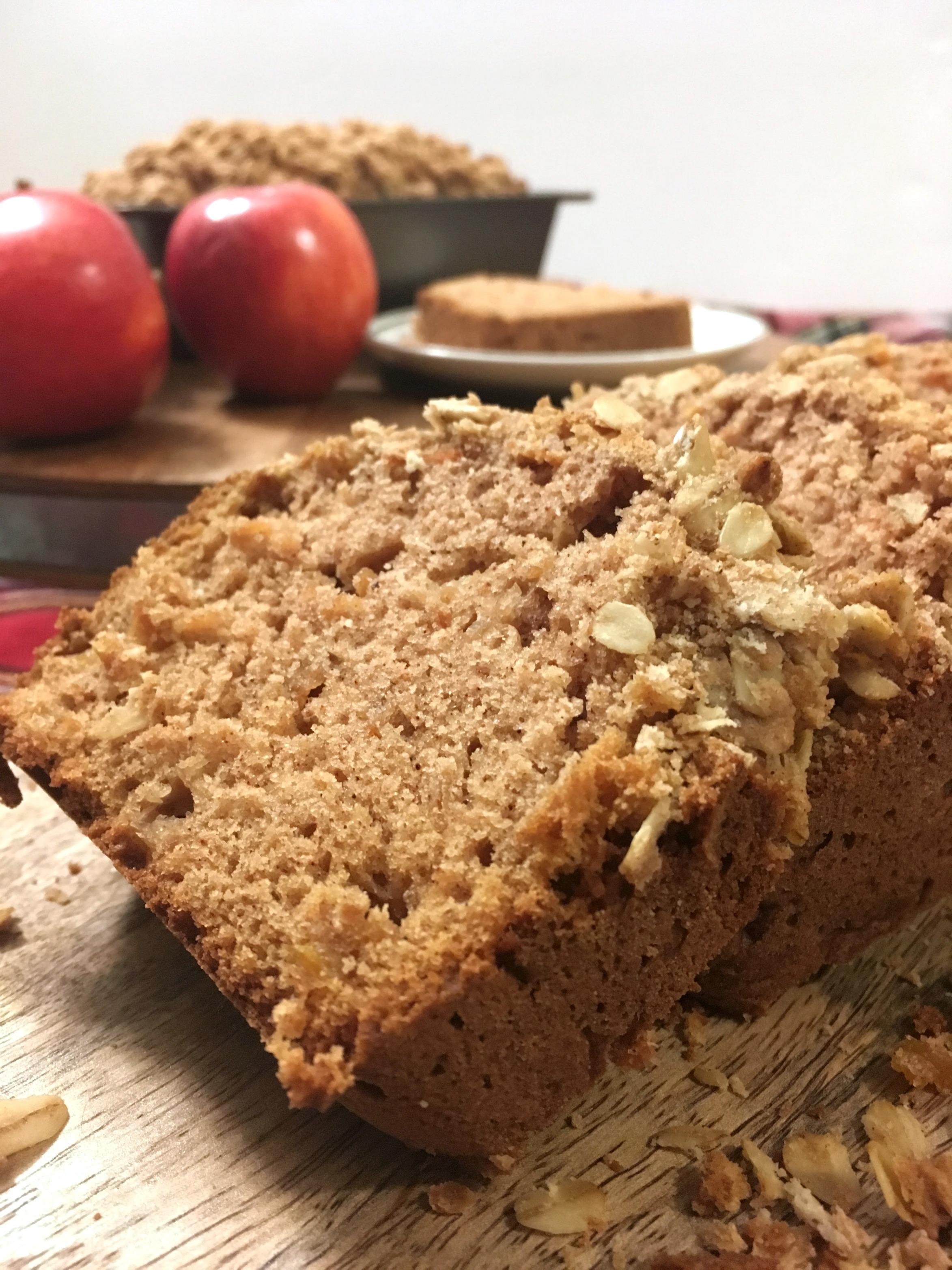Greek Yogurt Apple Cinnamon Bread with Oatmeal Crumble Topping