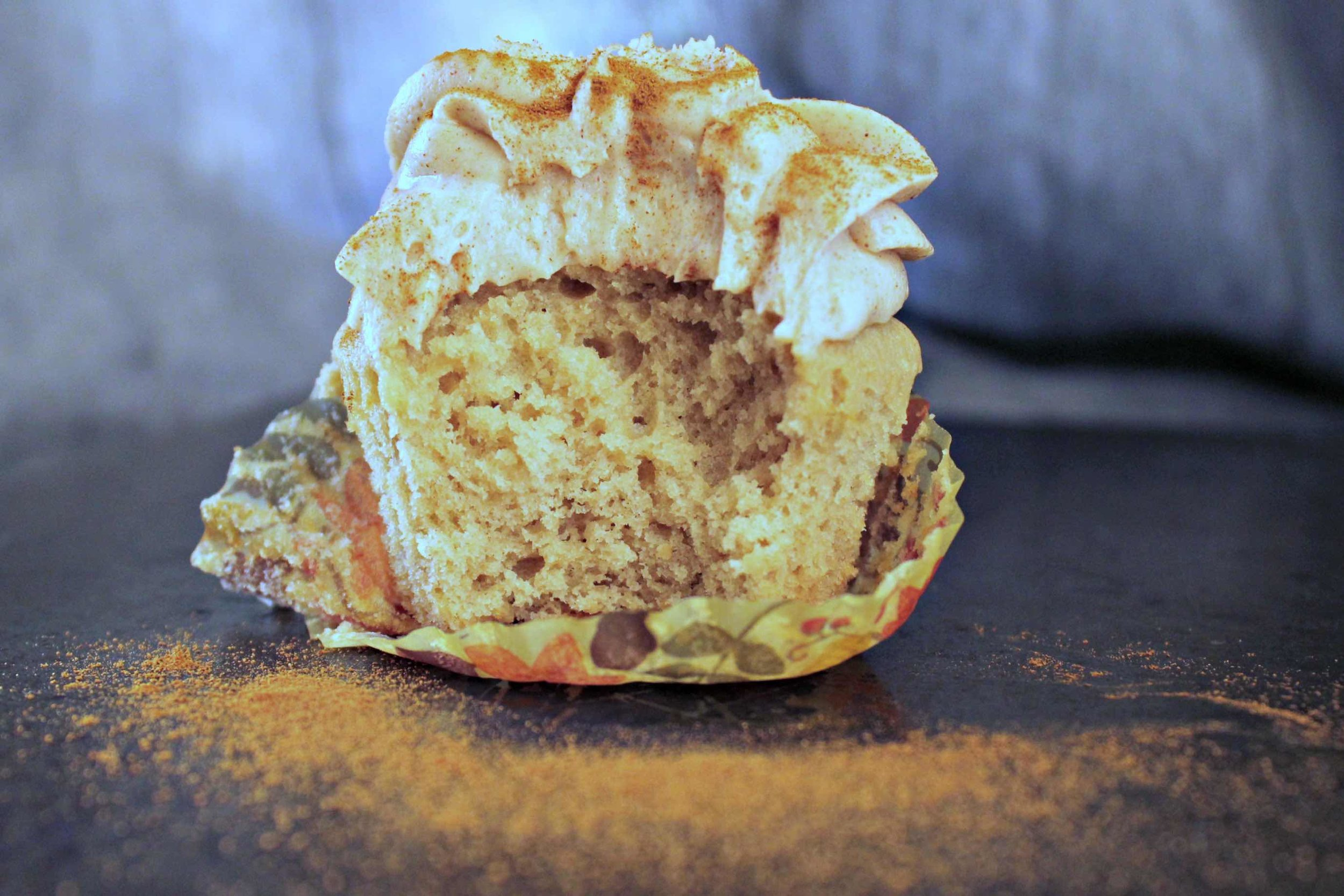 Chai Tea Latte Cupcakes with Cinnamon Cream Cheese Frosting