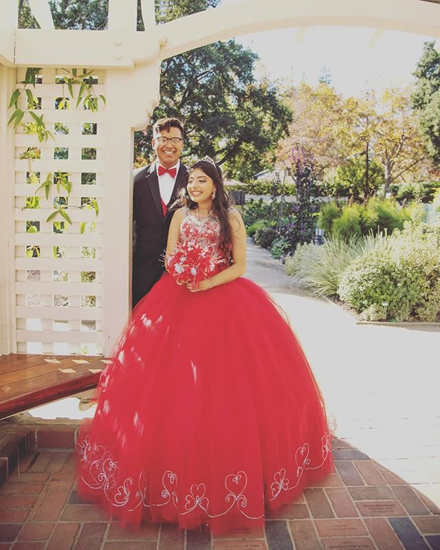 Birthday smiles. Feeling cool!  #quinceañeraphotography #quince #birthdaygirl #birthday #sweet15 #colorred #bayareaphotography #bayareaquinceanera #gazebo #park #makeup #fashion #girl #young #$ #cool #feelinglit #dress #reddress #flowers