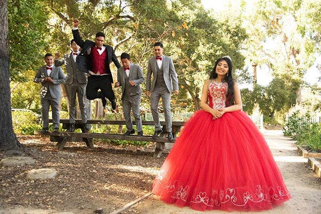 I loved shooting at this park. So quite and filled with beautiful light and people!  #quinceañeraphotography #bayareaphotography #bayareaquinceanera #nikon #quince #sweet15 #reddress #menlopark #court #jump #havingfun