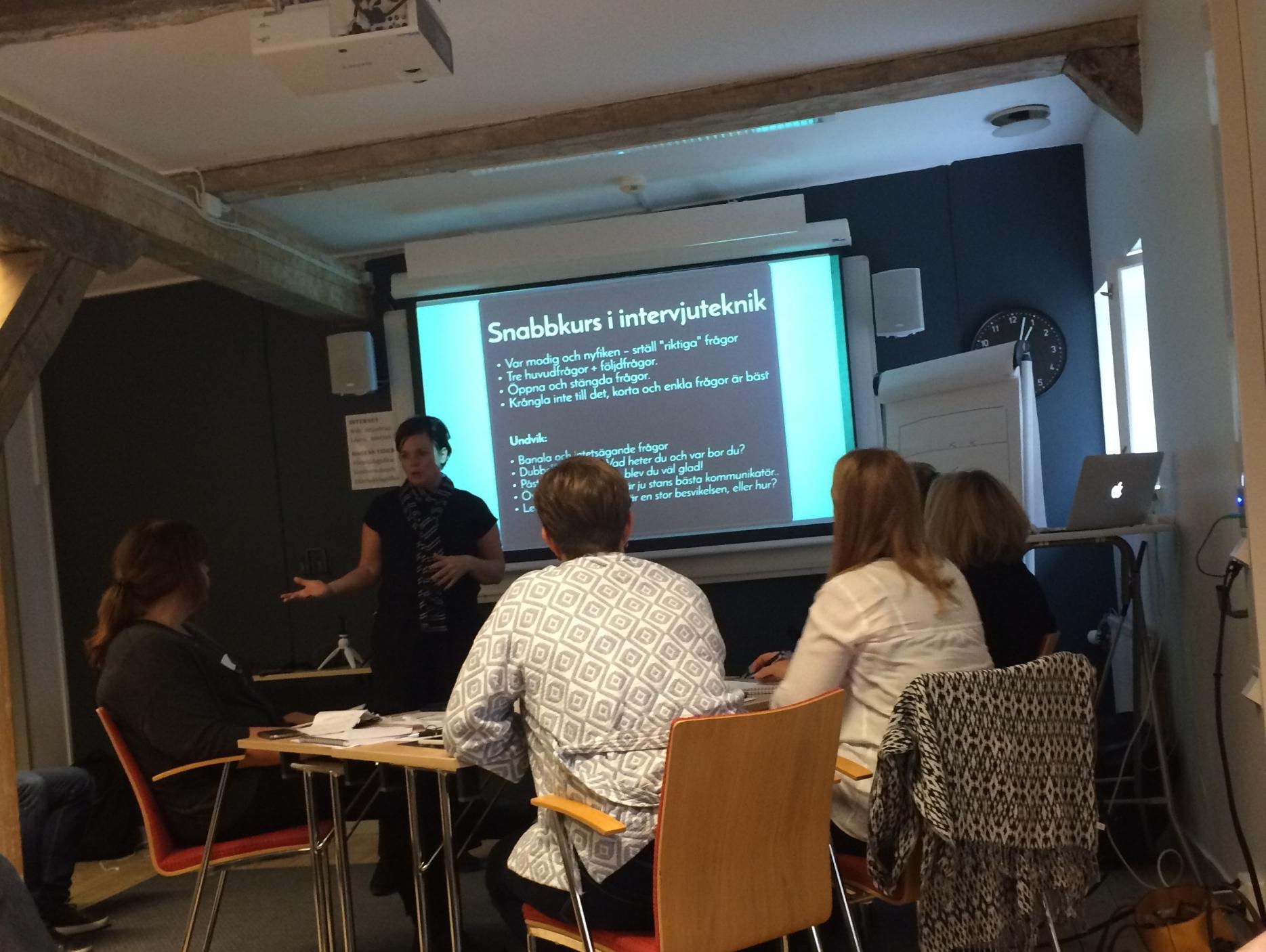 Superduktiga Helena Brunkman som höll i kursen (tillsammans med Mats Strömqvist)lyckades hålla energin och tempot uppe hela dagen, en ganska svår uppgift när man ska lära sig/lära ut lite kluriga grejer som dessutom kräver att man är kreativ och påhittig.
