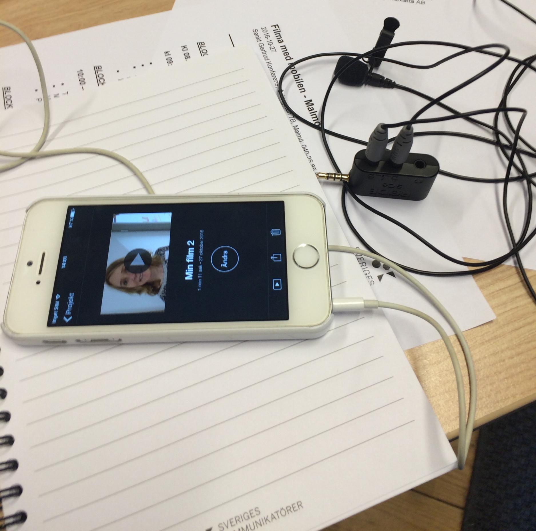 Filmade med en Iphone 5 och klippte med Imovie. Mer än så behövs absolut inte, någon hade Iphone 4 och filmade med den och det funkade bra.Men man blev ju helt klart sugen på att investera i lite nya prylar...ett stativ...mikrofon...och varför inte en Iphone 7 när man ändå är igång! ;)