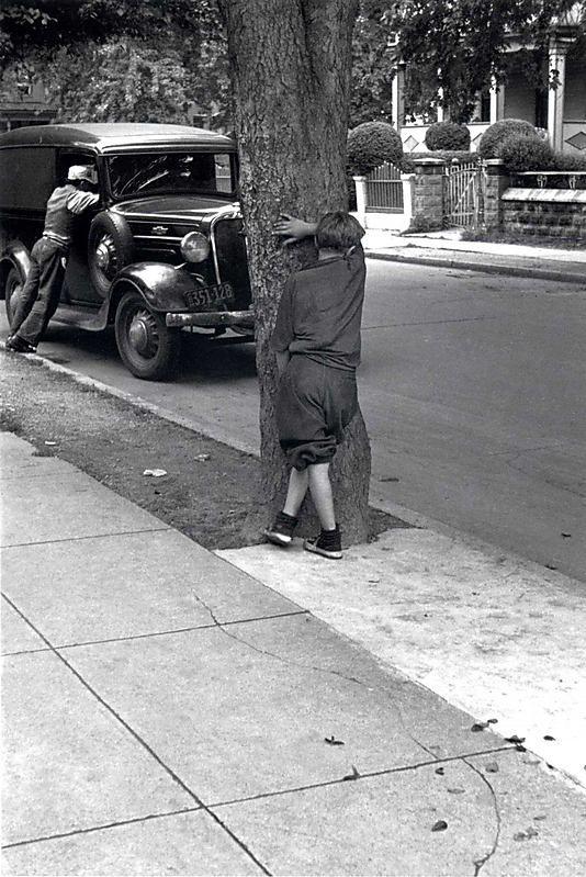 1942, Helen Levitt, NYC.jpg