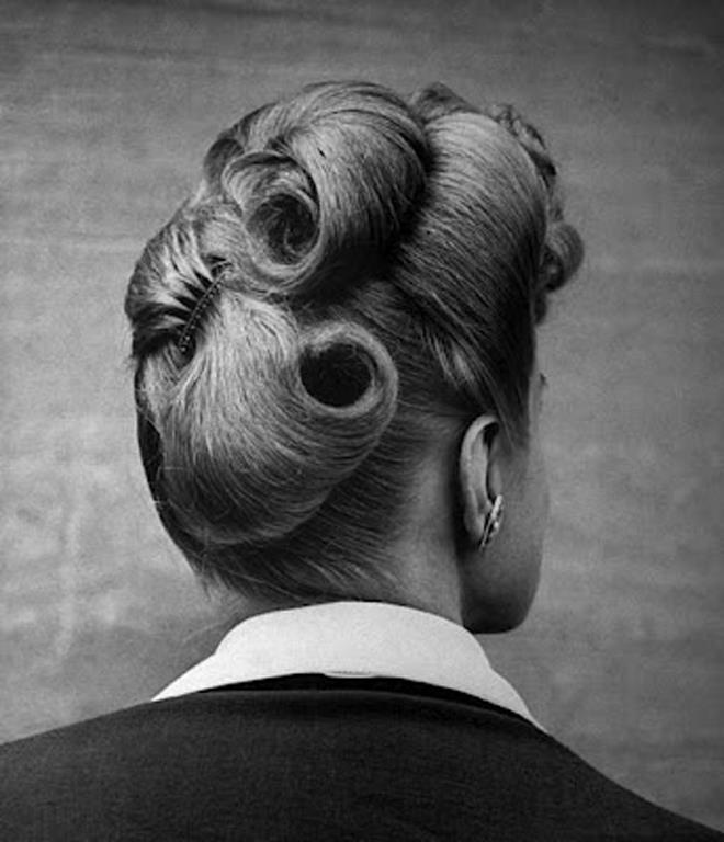 1943, Nina Leen.jpg