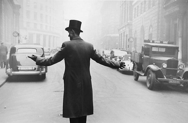 1951, Robert Frank, London.jpg