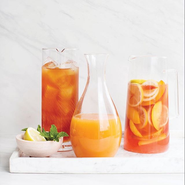 We love this recipe from Music City based The Peach Truck! Mountain Valley Sparkling Water and Peaches are the perfect summer combination. Check out the Recipe in our Bio. 📷 @mountainvalleywater ・・・ Feeling Peachy, and looking for a summertime refreshment?  Why don't you try the new Sparkling Peach Sangria recipe, created by the great @thepeachtruck founders Stephen & Jessica Rose, works perfectly with Mountain Valley Sparkling water. Have a go at this very simple recipe and share your Peach Sangrias with us.
