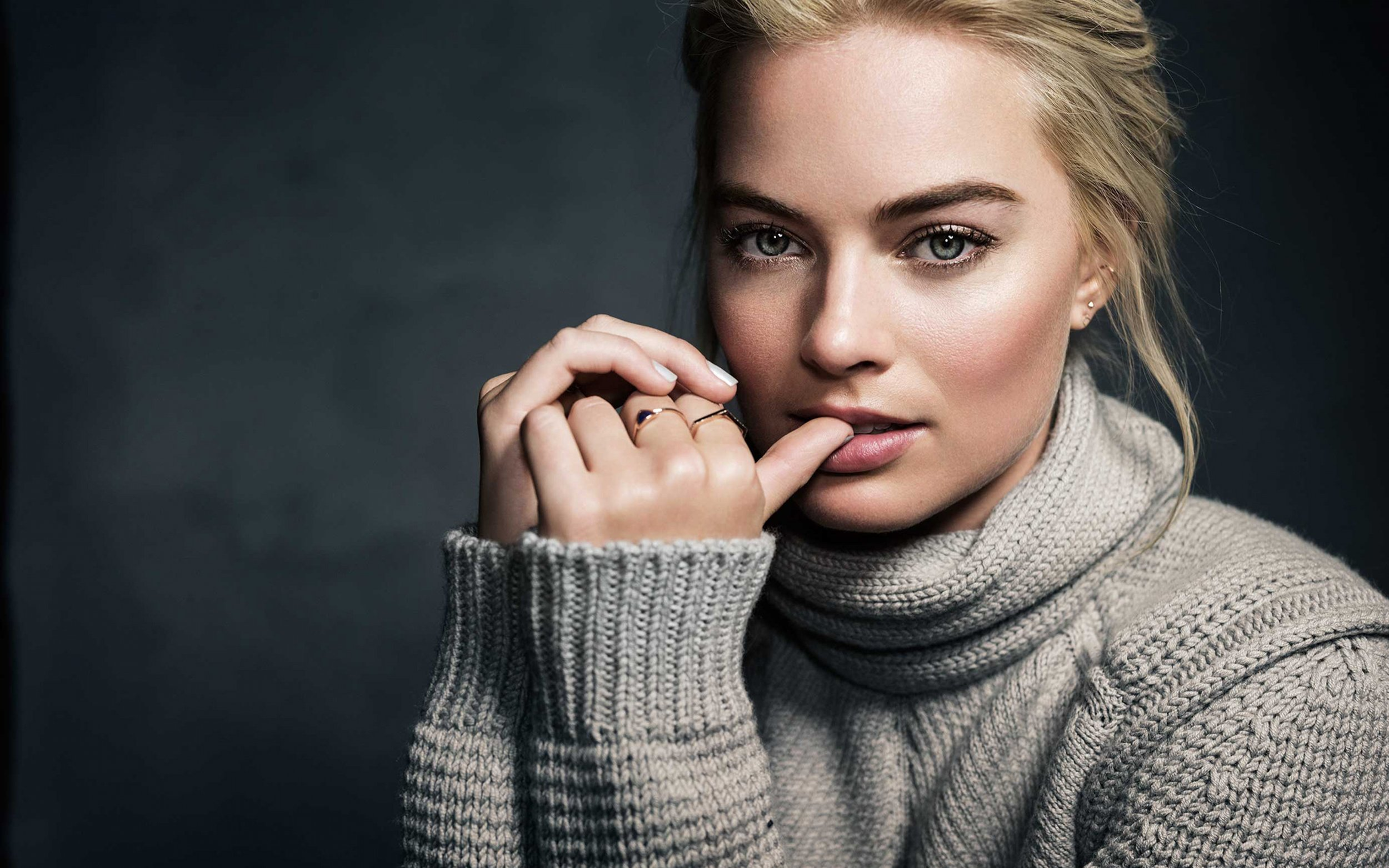 MARGOT ROBBIE GIVES VOICE TO A LAW STUDENT