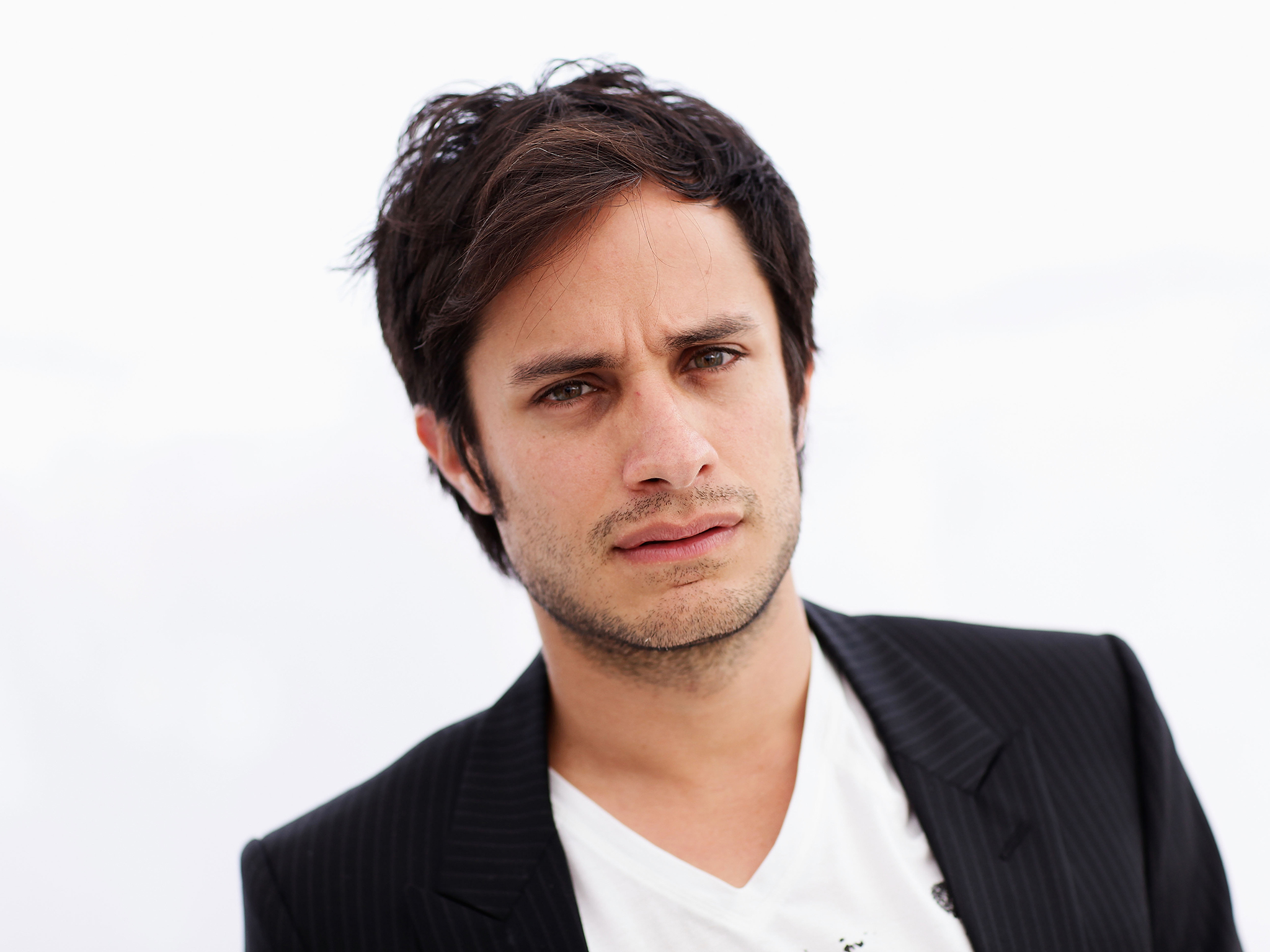 GAEL GARCIA BERNAL GIVES VOICE TO A POET