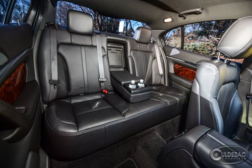 Lincoln MKS limousine interior leather seats