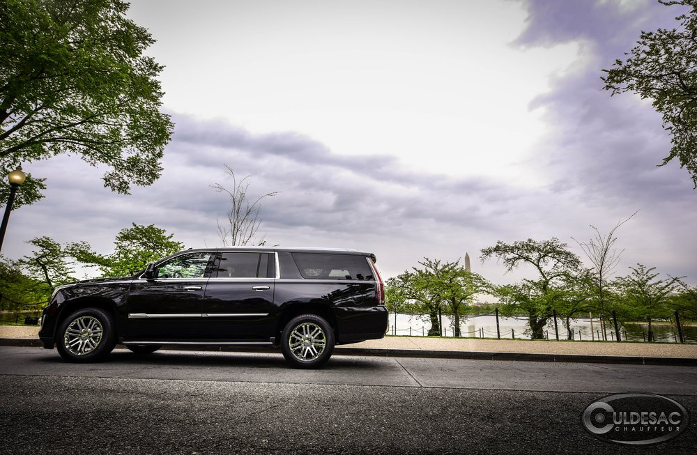 Cadillac Escalade Washington Monument