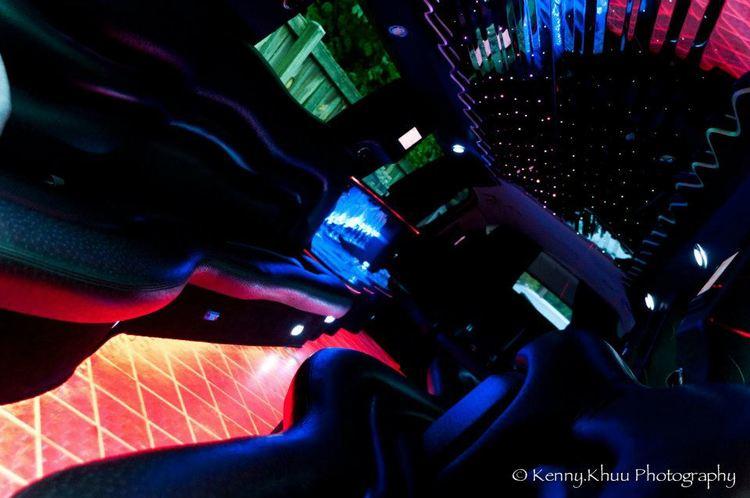 Culdesac Escalade Limo light show