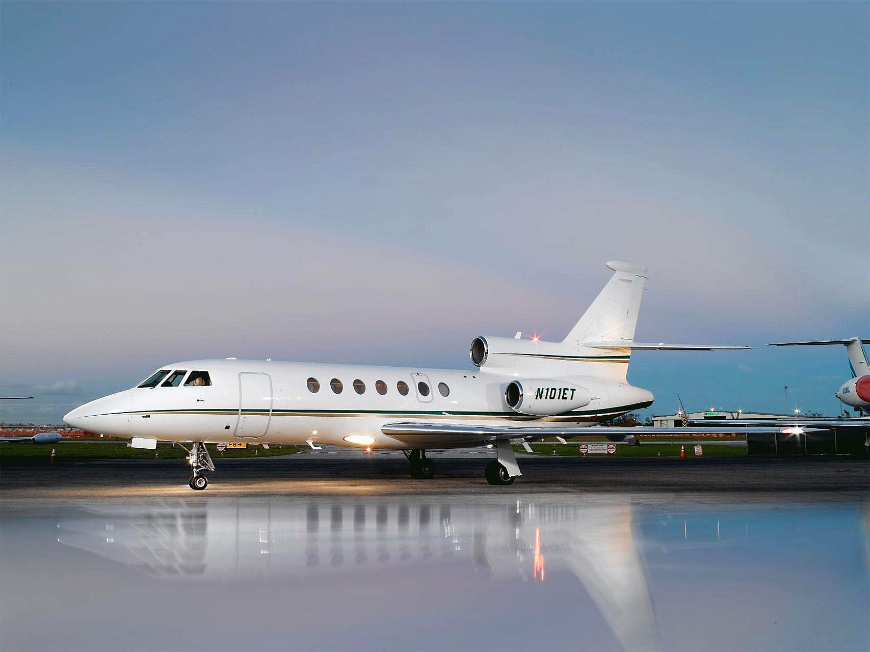 Mid Jet Exterior Ex 3 .jpg