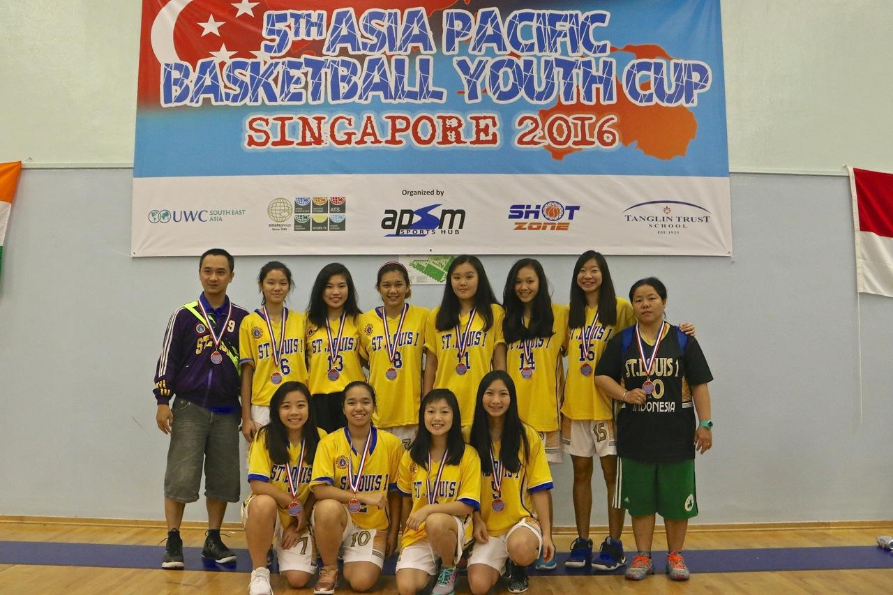 U18 Girls 3rd Place - St'Louis Surabaya