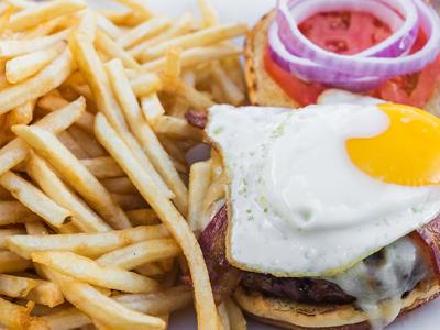 e11even-brunch_burger.jpg