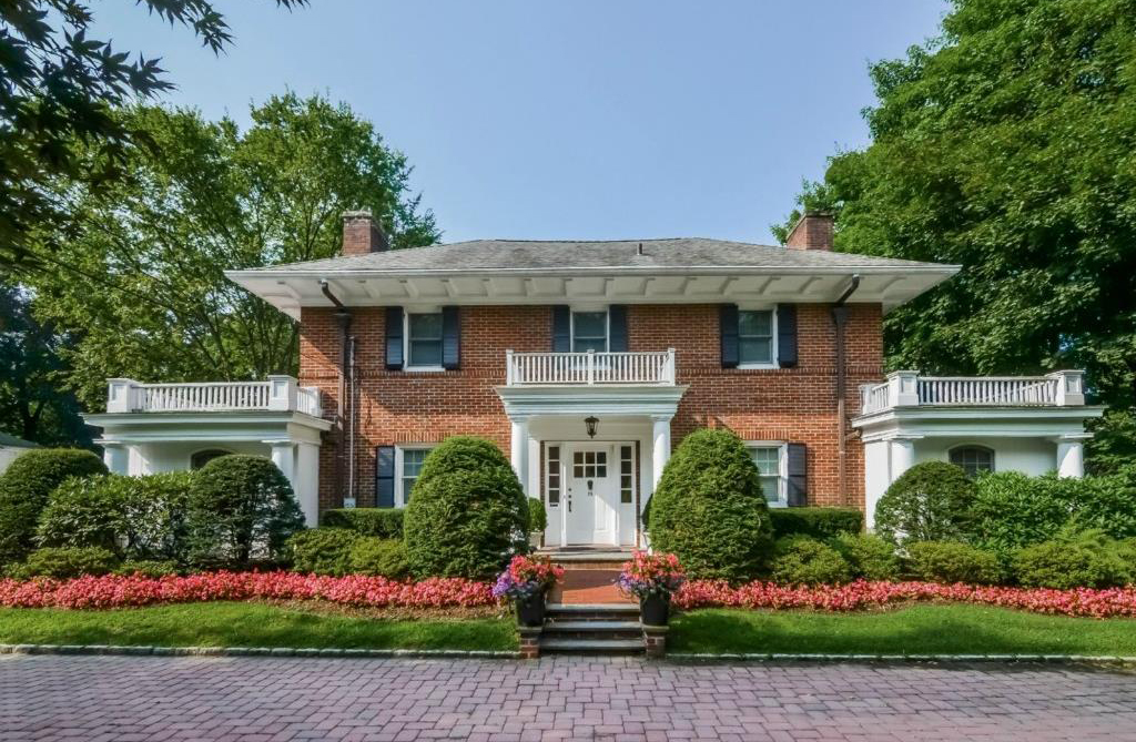 SOLD  28 Fenimore Road Scarsdale, NY Represented the Buyer