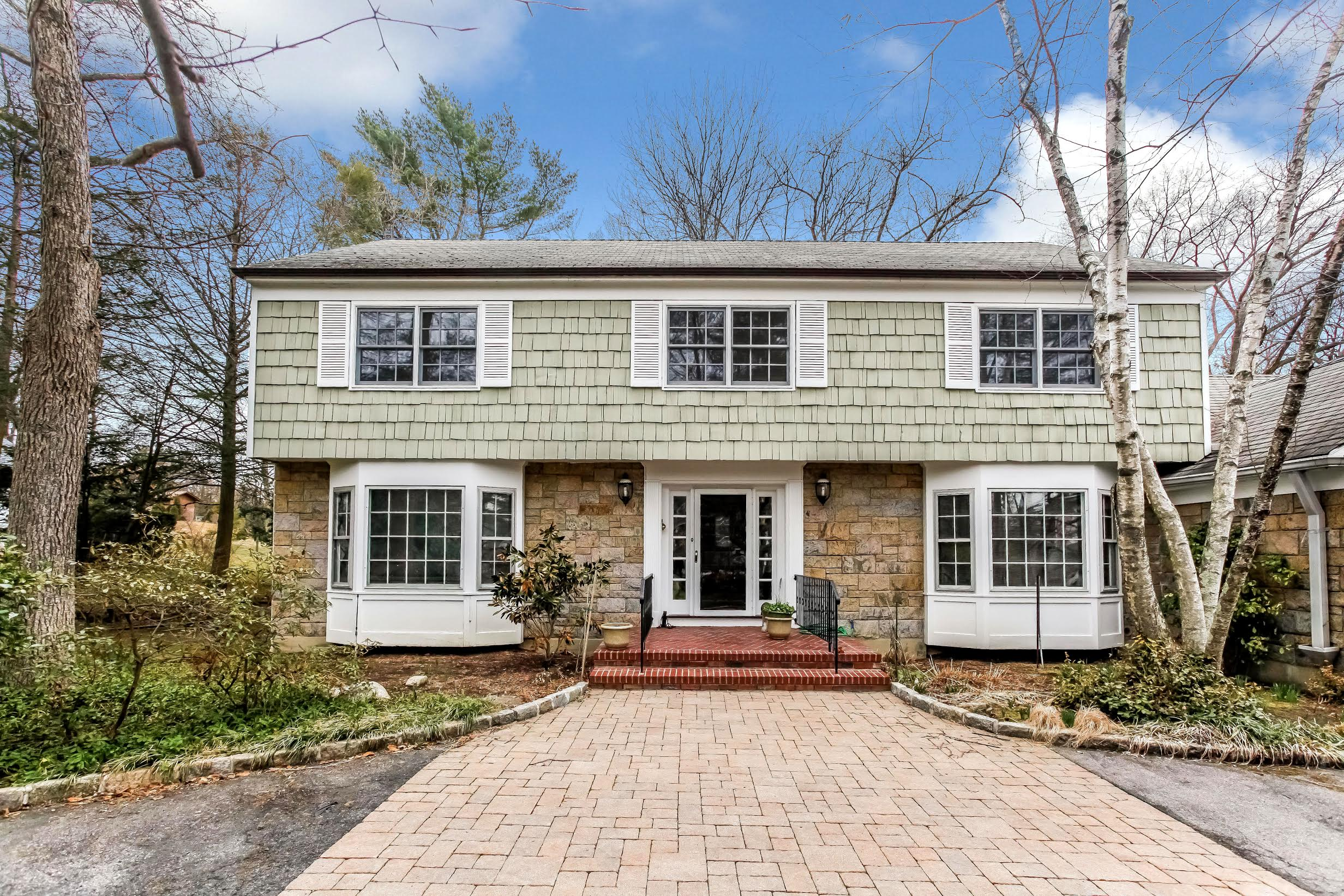 SOLD  58 Griffen Avenue Scarsdale, NY Represented the Seller as the Listing Agent