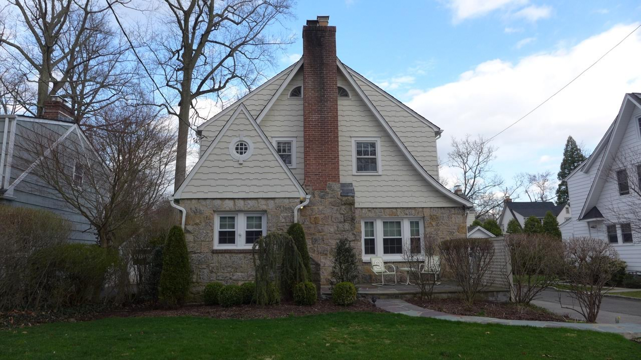 SOLD  14 Hamilton Road Scarsdale, NY Represented the Buyer