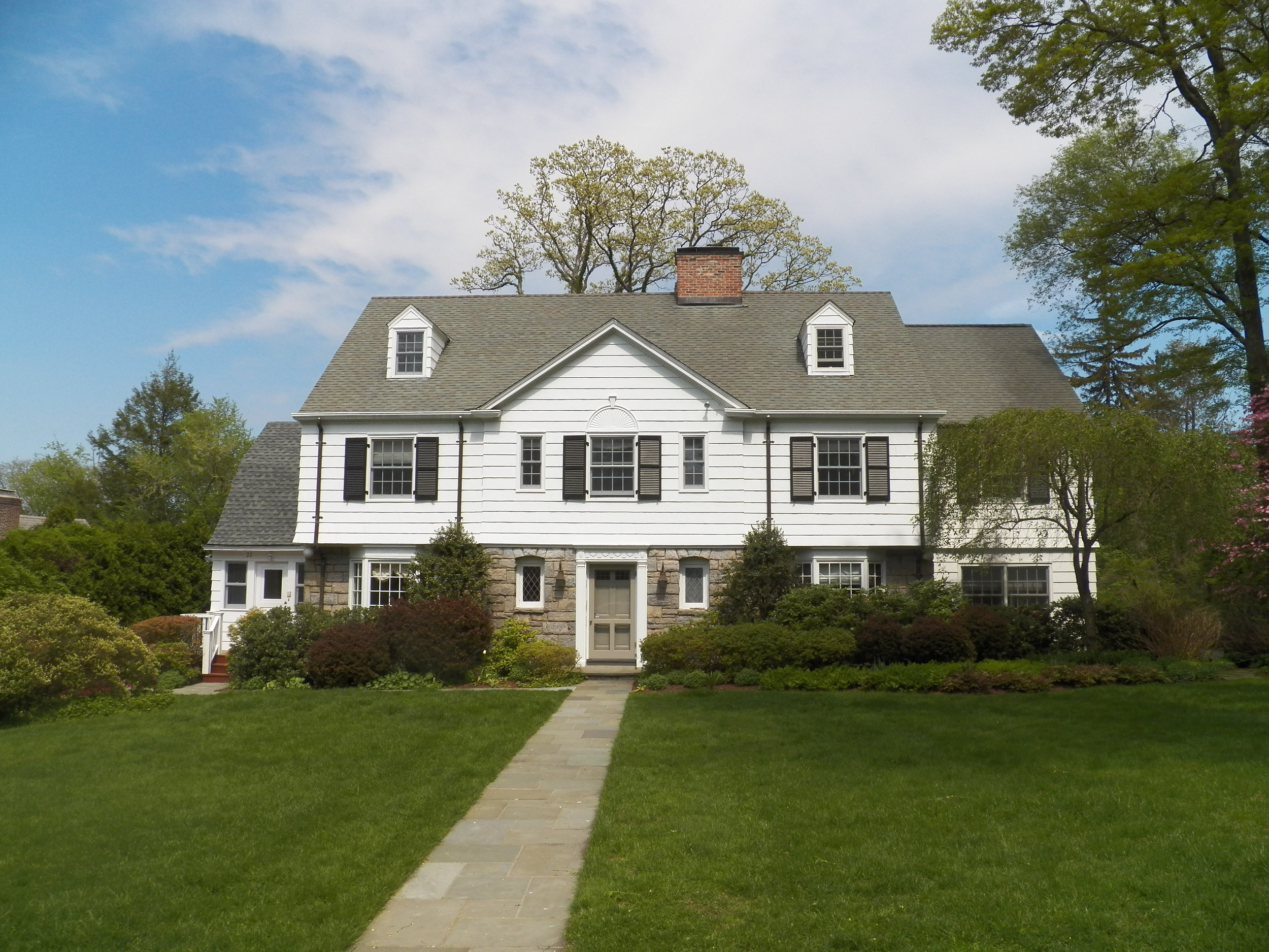 SOLD  22 Overlook Road Scarsdale, NY Represented the Buyer