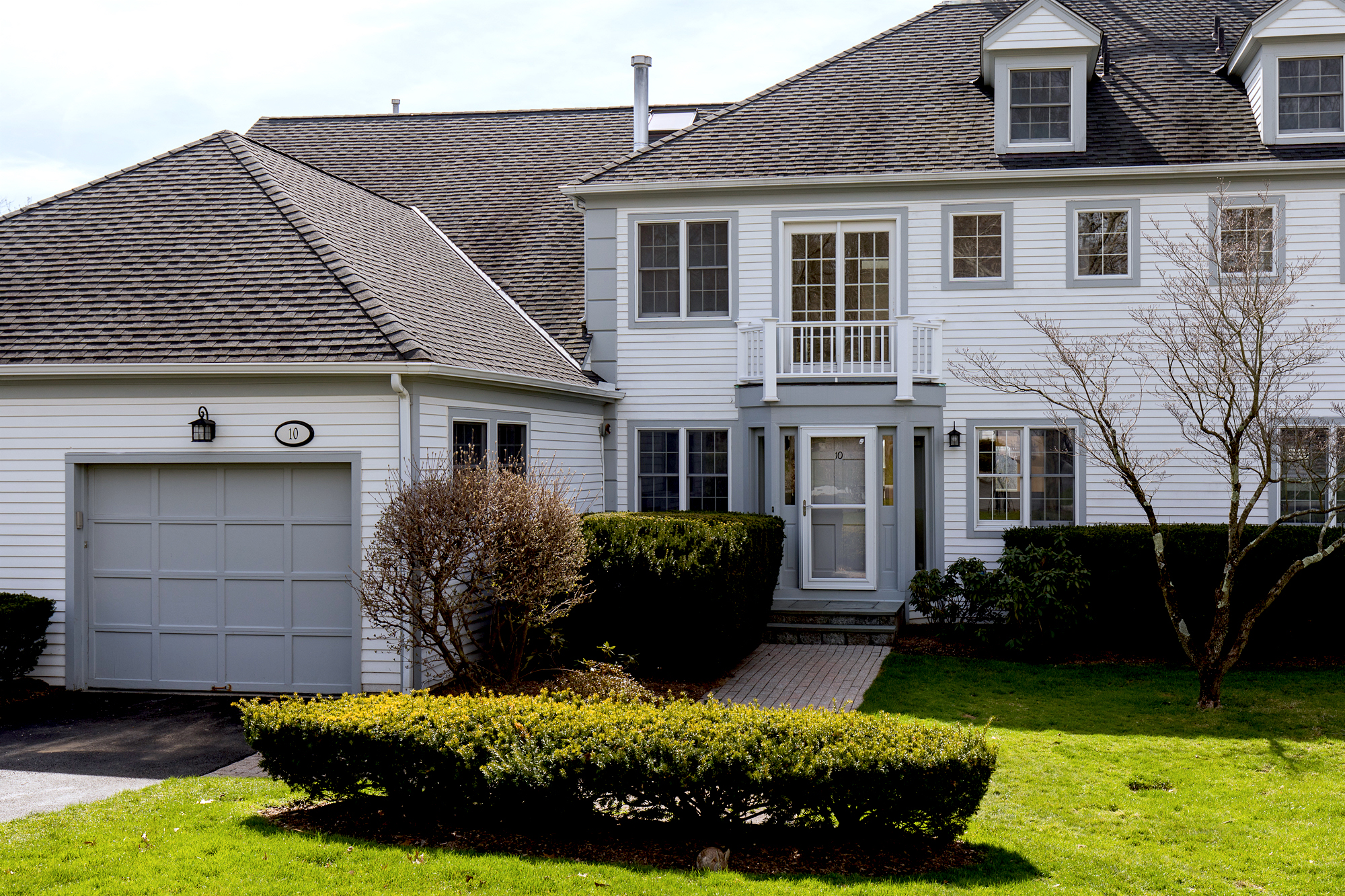 SOLD  10 Brooks Hills White Plains, NY Represented the Seller as the Listing Agent  (2017)