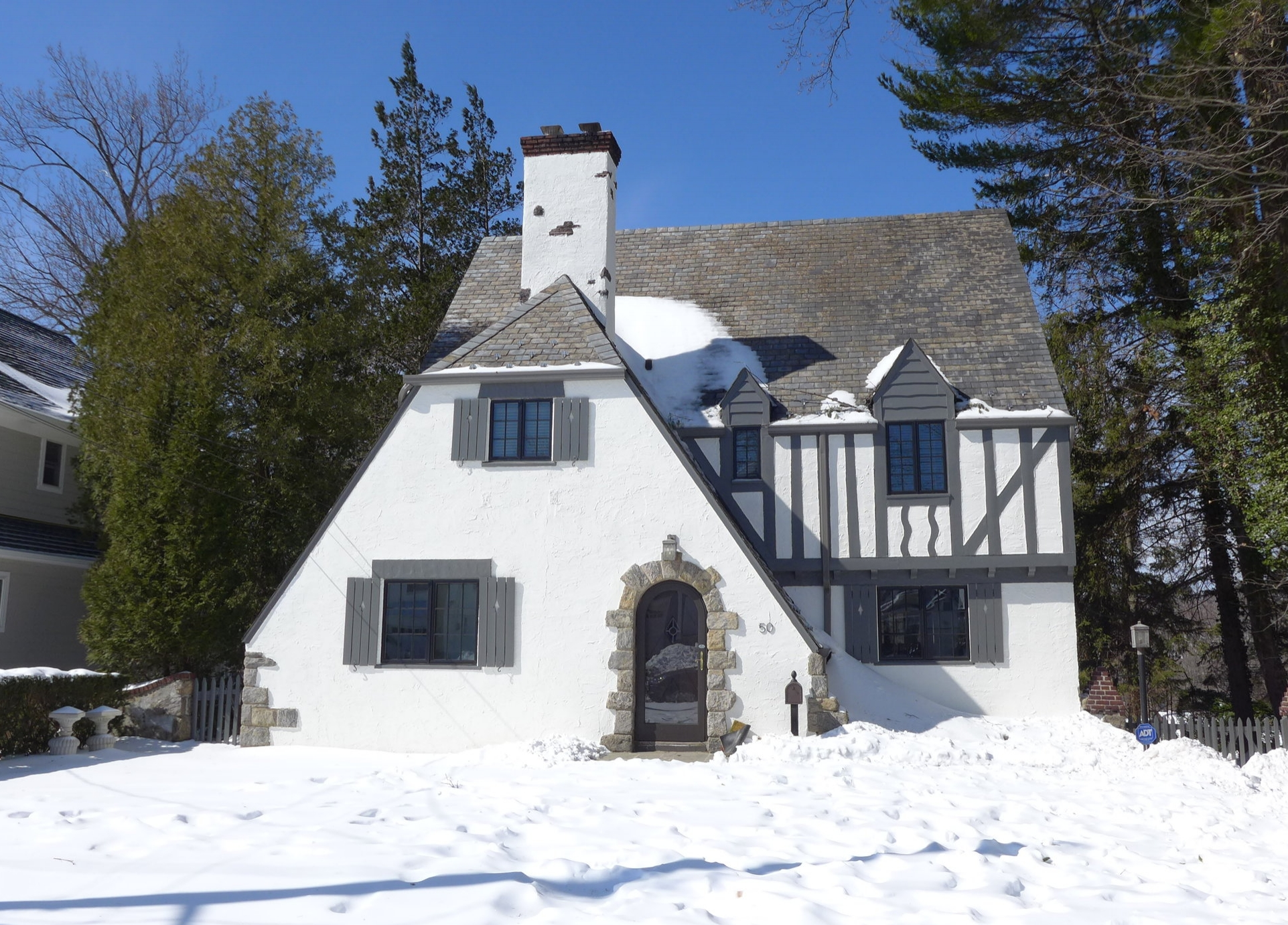 SOLD  50 Carthage Road Scarsdale, NY Represented the Buyer (2016)