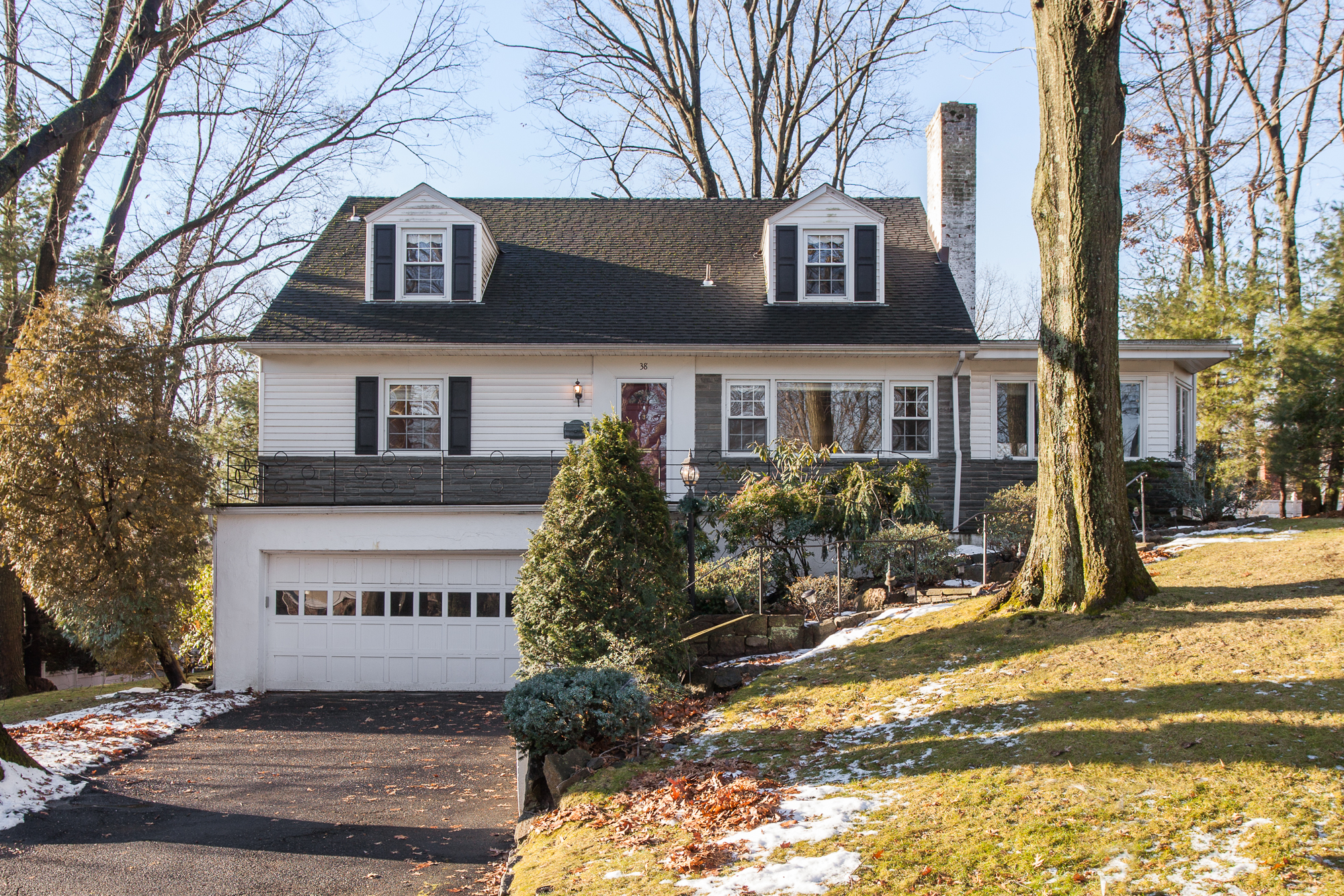 SOLD  38 Forbes Road Eastchester, NY Represented the Seller as the Listing Agent  (2017)