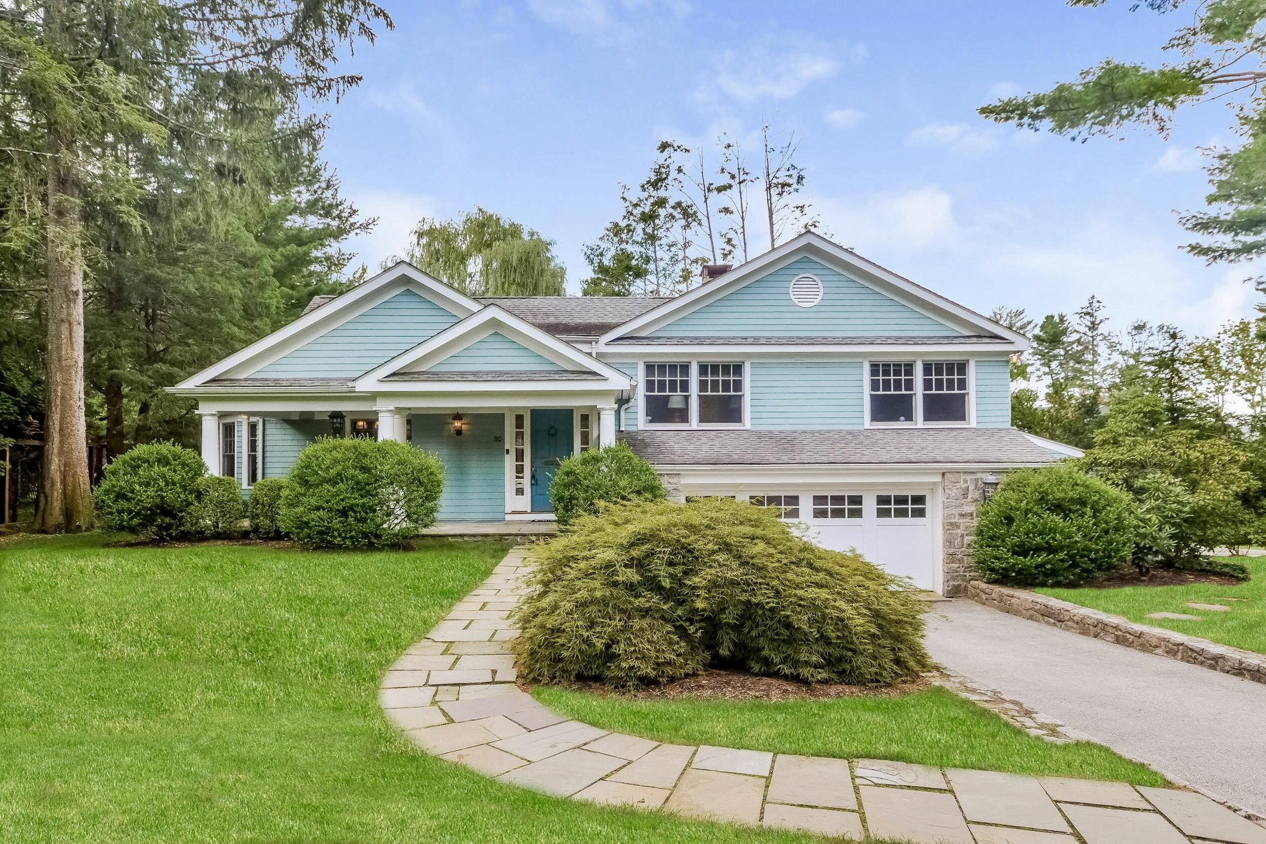 SOLD  30 Fairview Road Scarsdale, NY Represented the Buyer