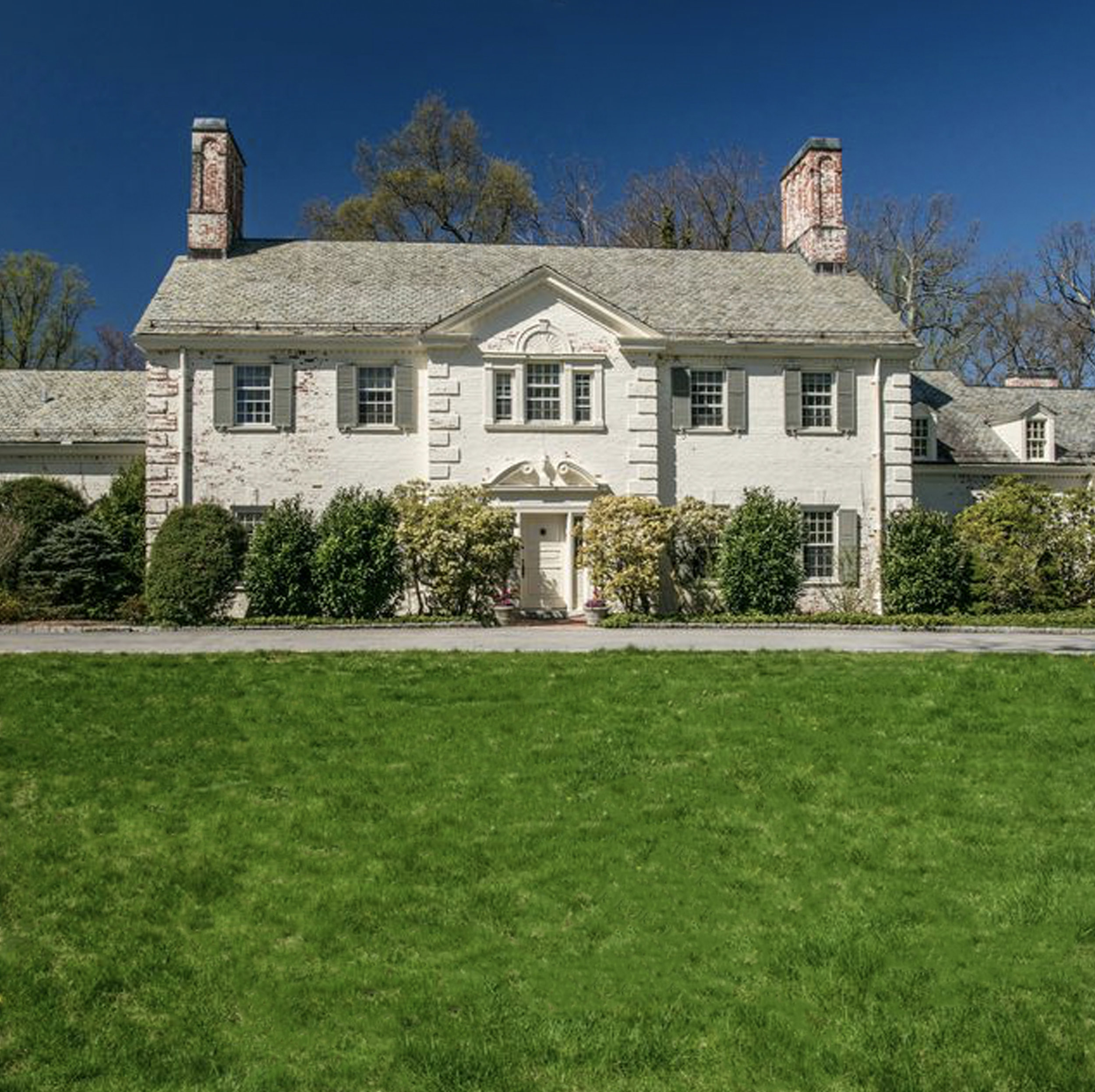 SOLD  17 Morris Lane Scarsdale, NY. Represented the Buyer  (2018)